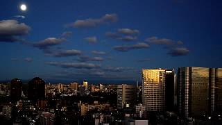 日の出と月光